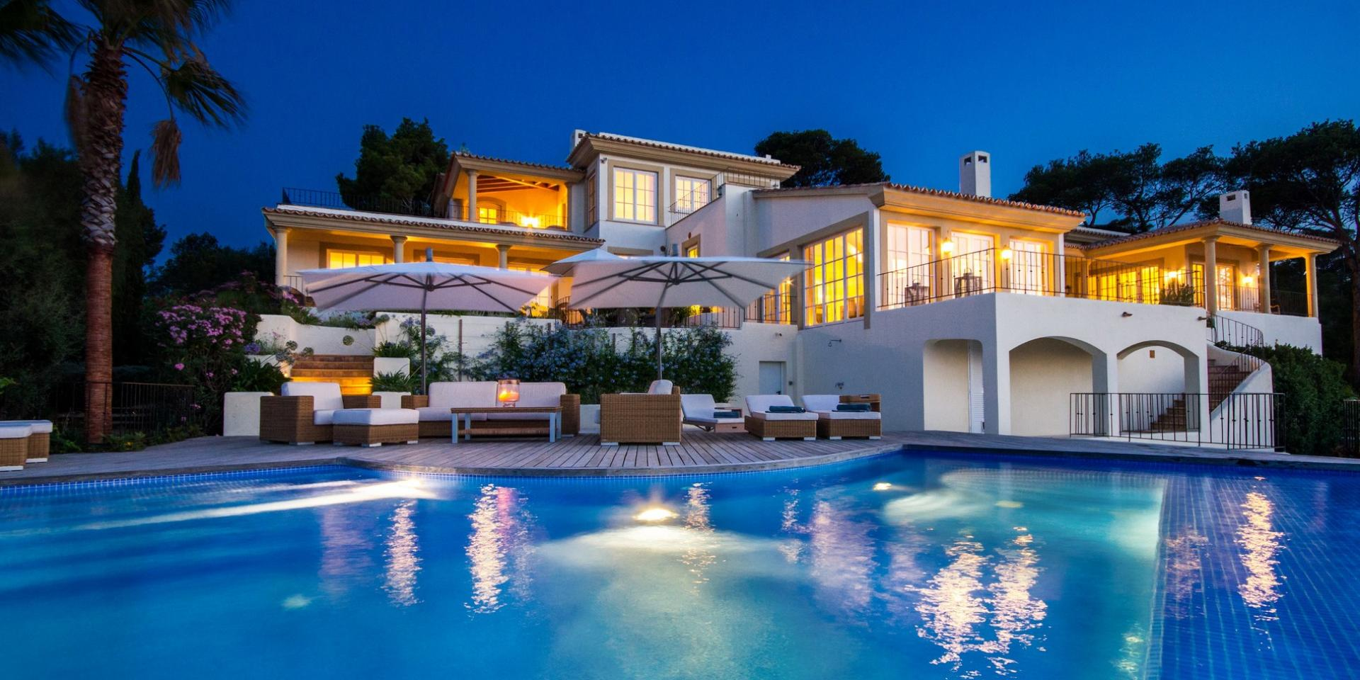 LUXURY VILLAS WORLDWIDE